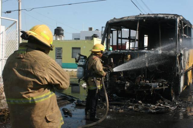 Photo of En Huehuetoca y Teoloyucan queman camiones