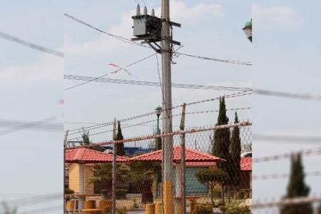 """Photo of Ayuntamiento de Zumpango se roba energía de la CFE con """"un diablito"""""""