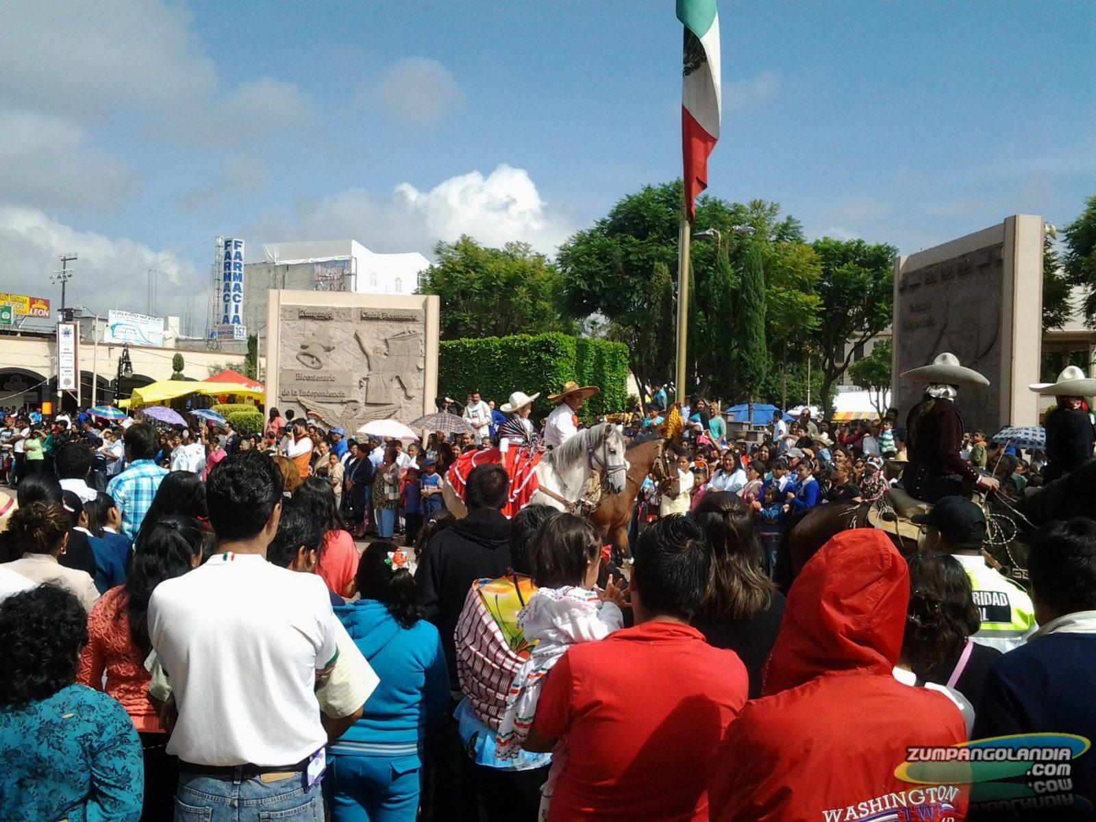 Photo of Fotografías del desfile en Zumpango por motivo del 205 Aniversario del Inicio de la Independencia