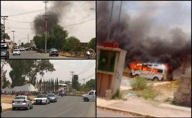 Photo of Combi atropella a mujer, queman habitantes de San Pedro 3 combis.