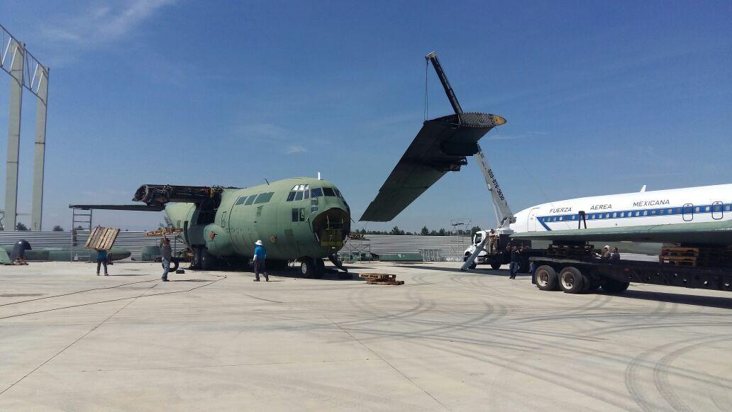 avion_base_aerea_santa_lucia