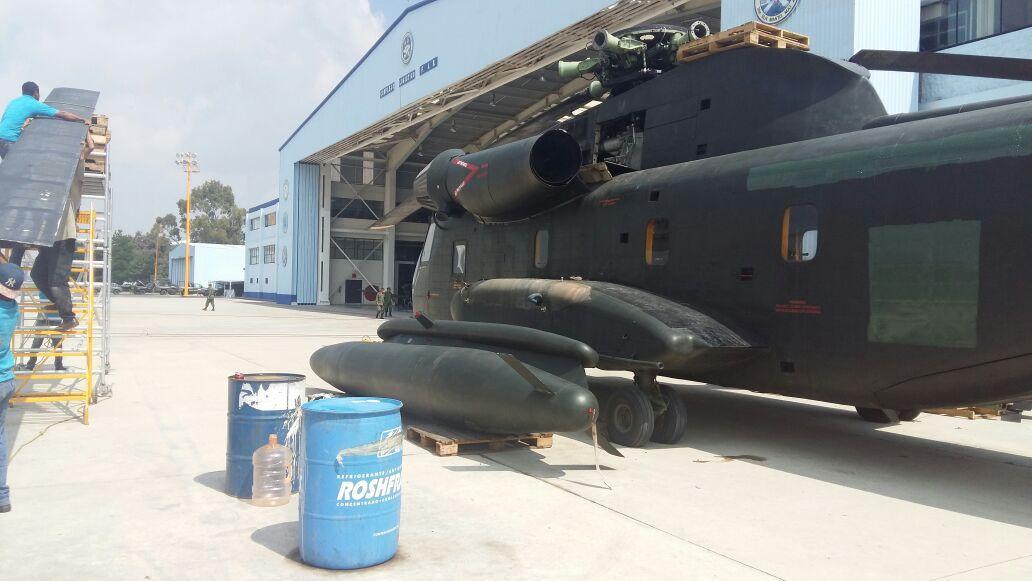 Photo of Avión y helicóptero de la Base Aérea de Santa Lucía aterrizan en Ecatepec