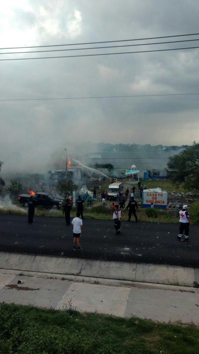 Photo of Zumpango: Explota mercado de juegos pirotécnicos