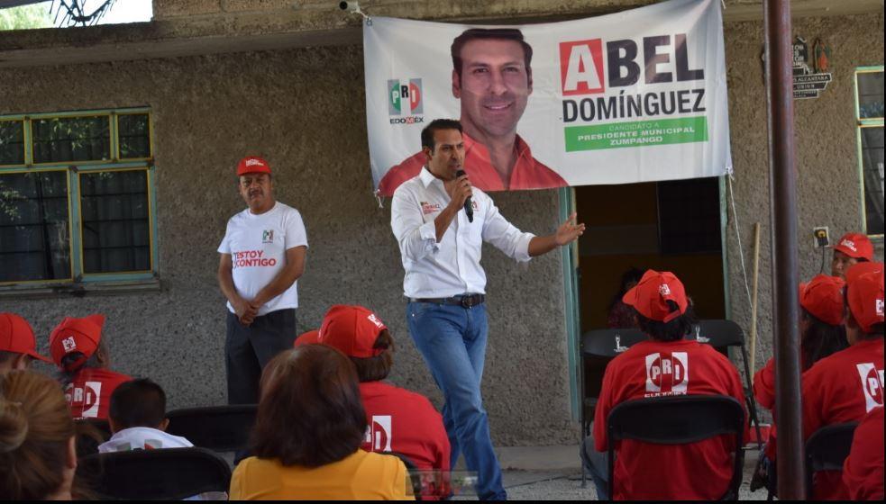 Photo of Abel Domínguez Azuz en campaña por Zumpango (VIDEO) Espera que sus 2 hijos que vienen en camino traigan torta bajo el brazo.