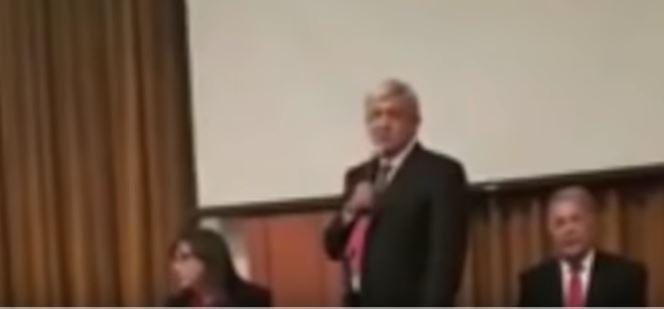 "Photo of ""NO VAYAN A SALIR CON SUS TONTERÍAS"" AMLO advierte a Presidentes Municipales y Diputados Electos"