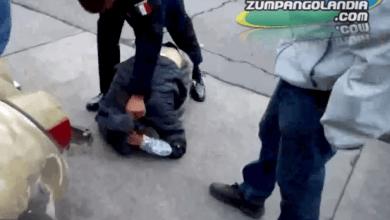 Photo of VIDEO Así detuvieron a ladrón de Oxxo en el Barrio de Santa María Zumpango